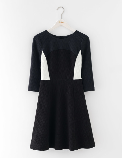 Curve & Flare Dress Black/Ivory/Raven Women, Black/Ivory/Raven - secondary colour: ivory/cream; predominant colour: black; occasions: evening; length: on the knee; fit: fitted at waist & bust; style: fit & flare; fibres: polyester/polyamide - stretch; neckline: crew; sleeve length: 3/4 length; sleeve style: standard; pattern type: fabric; pattern: colourblock; texture group: jersey - stretchy/drapey; multicoloured: multicoloured; season: s/s 2016; wardrobe: event