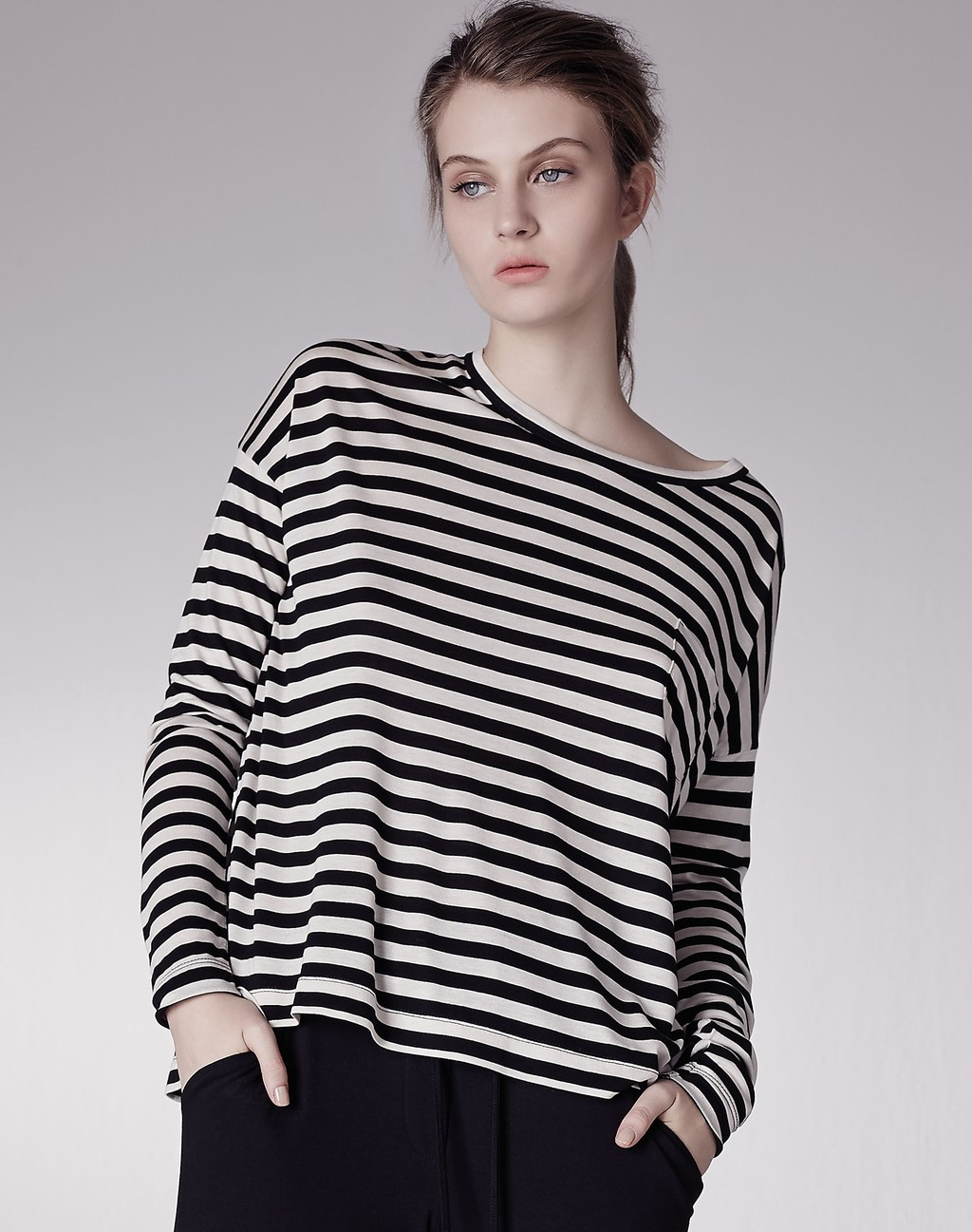Stripe Box Tee Black/Cream - pattern: horizontal stripes; predominant colour: white; secondary colour: black; occasions: casual; length: standard; style: top; fibres: viscose/rayon - 100%; fit: loose; neckline: crew; sleeve length: long sleeve; sleeve style: standard; pattern type: fabric; pattern size: standard; texture group: jersey - stretchy/drapey; multicoloured: multicoloured; season: a/w 2015; wardrobe: basic