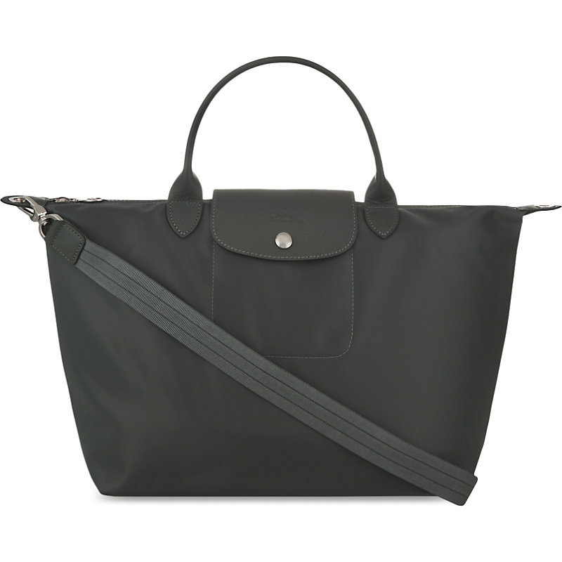 Le Pliage Medium Shopper, Women's, Grey - predominant colour: charcoal; occasions: casual; type of pattern: standard; style: tote; length: handle; size: oversized; material: fabric; pattern: plain; finish: plain; season: s/s 2016; wardrobe: investment