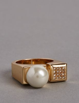 Pearl Pave Ring - secondary colour: ivory/cream; predominant colour: gold; occasions: casual; style: precious; size: standard; material: chain/metal; finish: metallic; embellishment: pearls; season: s/s 2016; wardrobe: basic
