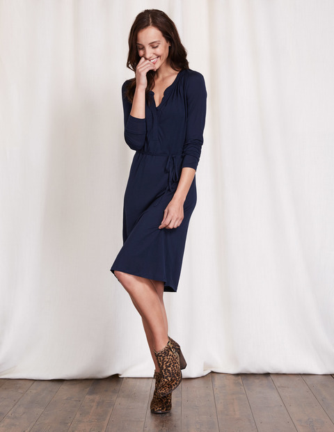 Audrey Dress Navy Women, Navy - style: shift; neckline: v-neck; pattern: plain; predominant colour: navy; length: on the knee; fit: body skimming; fibres: viscose/rayon - 100%; sleeve length: long sleeve; sleeve style: standard; pattern type: fabric; texture group: jersey - stretchy/drapey; occasions: creative work; season: s/s 2016; wardrobe: investment