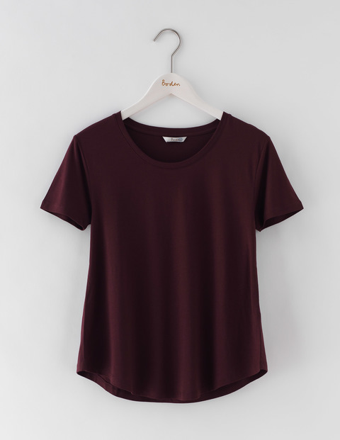 Supersoft Swing Tee Dark Burgundy Women, Dark Burgundy - neckline: round neck; pattern: plain; style: t-shirt; predominant colour: burgundy; occasions: casual; length: standard; fibres: cotton - 100%; fit: body skimming; sleeve length: short sleeve; sleeve style: standard; pattern type: fabric; texture group: jersey - stretchy/drapey; season: s/s 2016; wardrobe: highlight