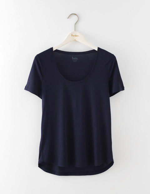 Luxe Short Sleeve Scoop Tee Navy Women, Navy - neckline: round neck; pattern: plain; style: t-shirt; predominant colour: navy; occasions: casual; length: standard; fit: body skimming; sleeve length: short sleeve; sleeve style: standard; pattern type: fabric; texture group: jersey - stretchy/drapey; fibres: viscose/rayon - mix; season: s/s 2016; wardrobe: basic