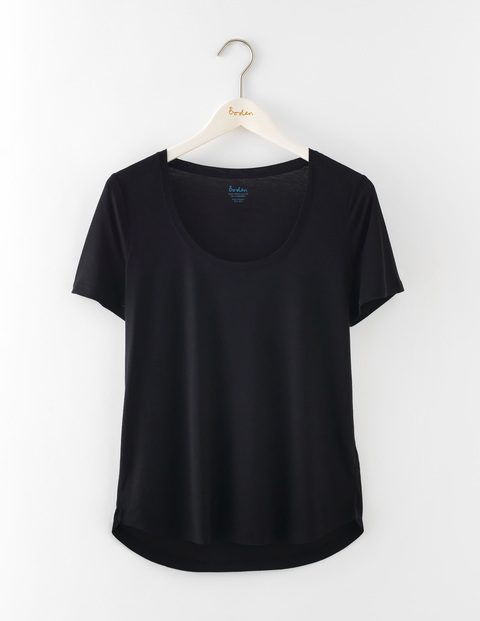 Luxe Short Sleeve Scoop Tee Black Women, Black - neckline: round neck; pattern: plain; style: t-shirt; predominant colour: black; occasions: casual; length: standard; fit: body skimming; sleeve length: short sleeve; sleeve style: standard; pattern type: fabric; texture group: jersey - stretchy/drapey; fibres: viscose/rayon - mix; season: s/s 2016