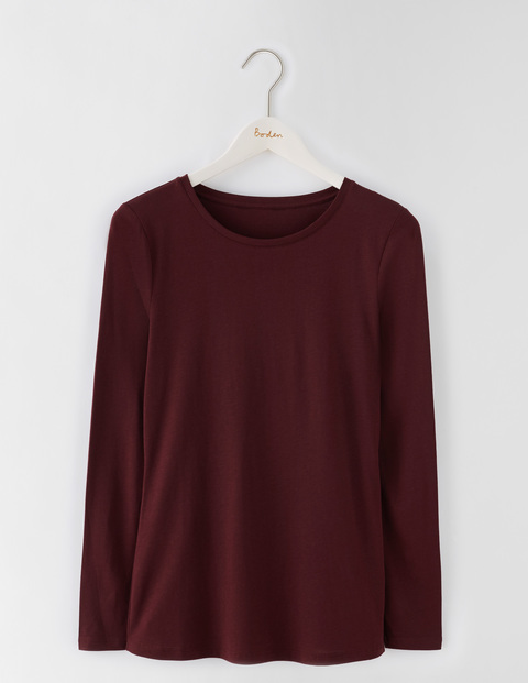 Supersoft Crew Tee Dark Burgundy Women, Dark Burgundy - pattern: plain; predominant colour: burgundy; occasions: casual; length: standard; style: top; fibres: cotton - mix; fit: body skimming; neckline: crew; sleeve length: long sleeve; sleeve style: standard; pattern type: fabric; texture group: jersey - stretchy/drapey; season: s/s 2016; wardrobe: highlight