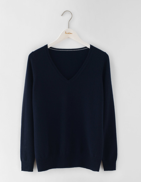 Cashmere Relaxed V Neck Jumper Navy Women, Navy - neckline: v-neck; pattern: plain; style: standard; predominant colour: navy; occasions: casual, creative work; length: standard; fit: standard fit; fibres: cashmere - 100%; sleeve length: long sleeve; sleeve style: standard; texture group: knits/crochet; pattern type: knitted - fine stitch; season: s/s 2016; wardrobe: investment