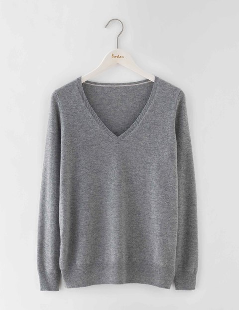 Cashmere Relaxed V Neck Jumper Grey Melange Women, Grey Melange - neckline: v-neck; pattern: plain; style: standard; predominant colour: charcoal; occasions: casual, creative work; length: standard; fit: standard fit; fibres: cashmere - 100%; sleeve length: long sleeve; sleeve style: standard; texture group: knits/crochet; pattern type: knitted - fine stitch; season: s/s 2016; wardrobe: investment