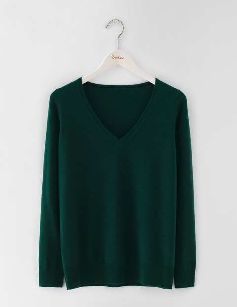 Cashmere Relaxed V Neck Jumper Emerald Night Women, Emerald Night - neckline: v-neck; pattern: plain; style: standard; predominant colour: dark green; occasions: casual; length: standard; fit: loose; fibres: cashmere - 100%; sleeve length: long sleeve; sleeve style: standard; texture group: knits/crochet; pattern type: knitted - fine stitch; season: s/s 2016; wardrobe: highlight