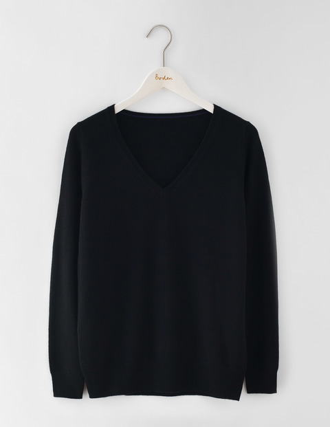 Cashmere Relaxed V Neck Jumper Black Women, Black - neckline: low v-neck; pattern: plain; style: standard; predominant colour: black; occasions: casual, work, creative work; length: standard; fit: standard fit; fibres: cashmere - 100%; sleeve length: long sleeve; sleeve style: standard; texture group: knits/crochet; pattern type: knitted - fine stitch; season: s/s 2016
