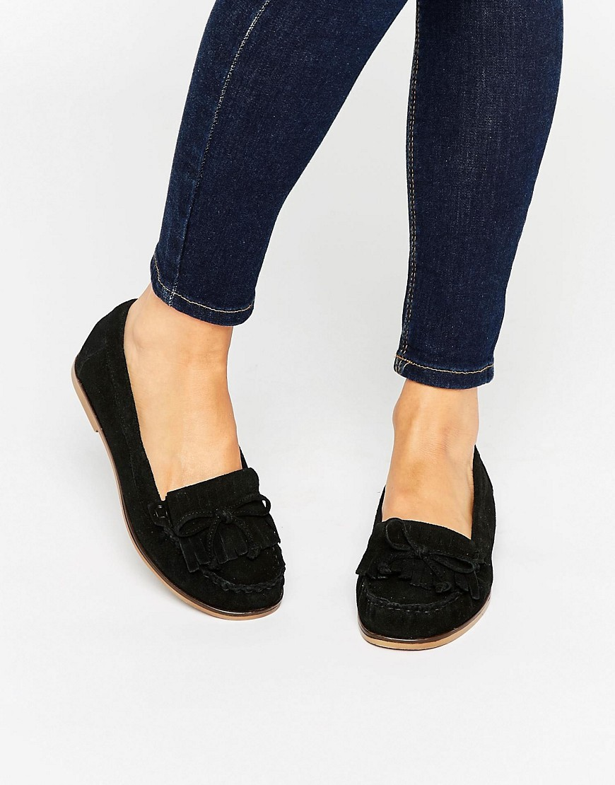 Mock Moccasin Suede Flat Shoes Black Suede - predominant colour: black; occasions: casual, creative work; material: suede; heel height: flat; toe: round toe; style: loafers; finish: plain; pattern: plain; embellishment: bow; season: s/s 2016; wardrobe: basic