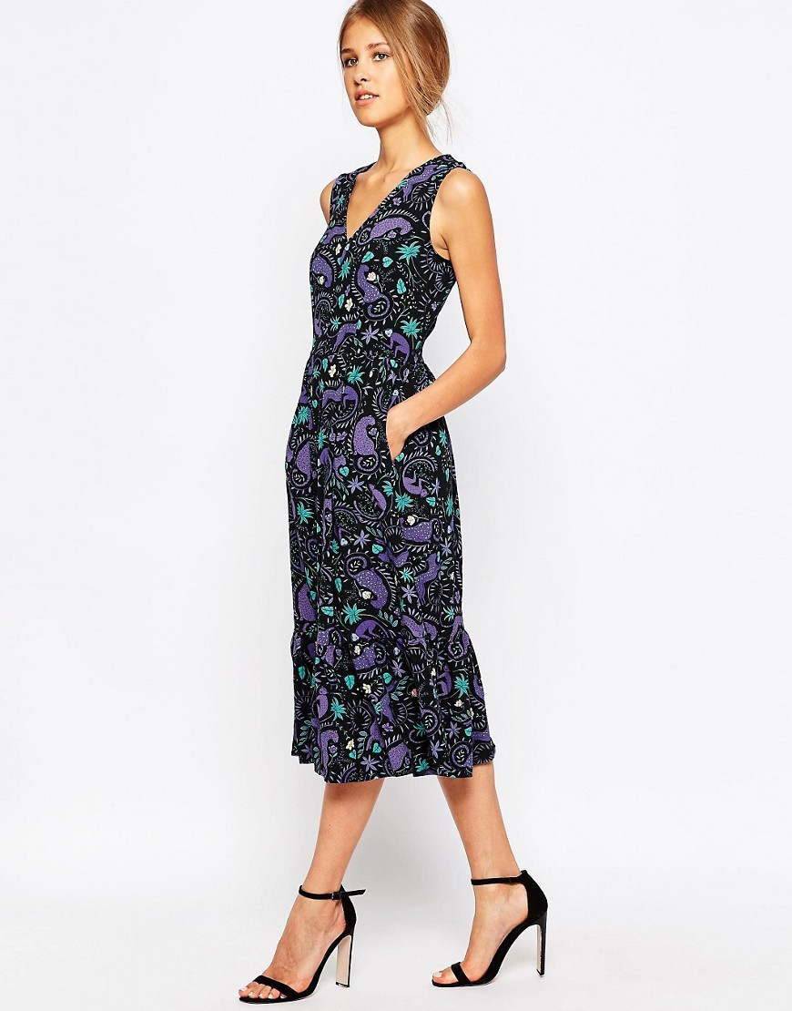 Closet Retro Frill Hem Dress In Monkey Print Black/Multi - style: shift; length: calf length; neckline: v-neck; sleeve style: sleeveless; predominant colour: purple; secondary colour: black; occasions: evening; fit: body skimming; fibres: polyester/polyamide - stretch; sleeve length: sleeveless; pattern type: fabric; pattern size: big & busy; pattern: florals; texture group: jersey - stretchy/drapey; multicoloured: multicoloured; season: s/s 2016
