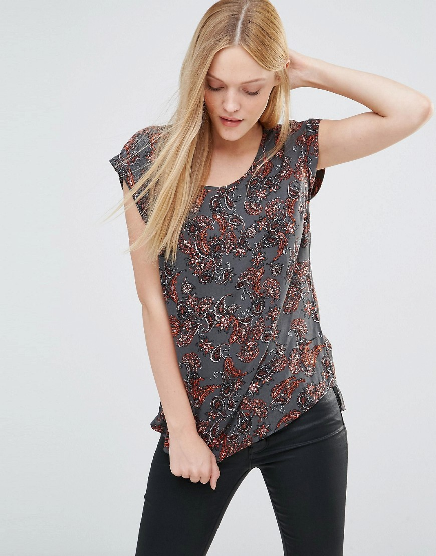 Super Easy Open Back Top In Paisley Print Wild Paisley - neckline: round neck; pattern: paisley; secondary colour: burgundy; predominant colour: charcoal; occasions: casual; length: standard; style: top; fibres: viscose/rayon - 100%; fit: body skimming; sleeve length: short sleeve; sleeve style: standard; pattern type: fabric; texture group: jersey - stretchy/drapey; multicoloured: multicoloured; season: s/s 2016