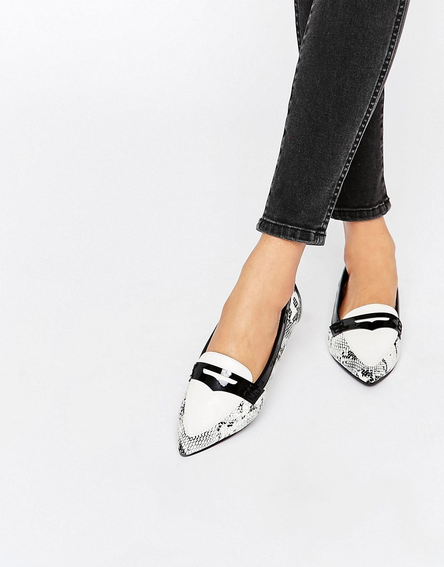 Laker Pointed Ballet Flats Snake - secondary colour: white; predominant colour: black; occasions: work, creative work; material: faux leather; heel height: flat; toe: pointed toe; style: ballerinas / pumps; finish: plain; pattern: animal print; season: s/s 2016; wardrobe: highlight
