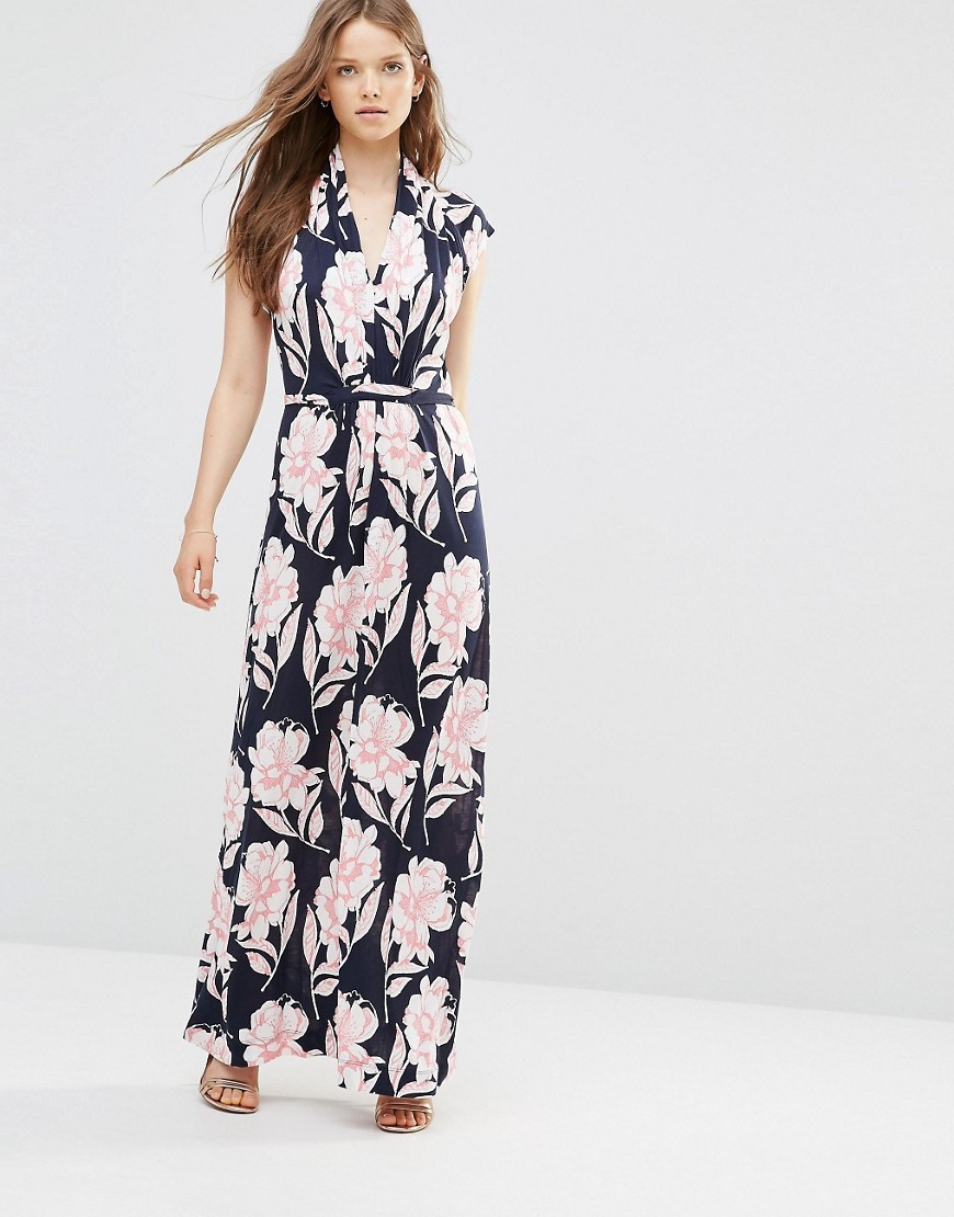 Maxi Dress In Floral Print Blue - neckline: v-neck; sleeve style: sleeveless; style: maxi dress; secondary colour: blush; predominant colour: navy; occasions: casual; length: floor length; fit: body skimming; fibres: viscose/rayon - 100%; sleeve length: sleeveless; pattern type: fabric; pattern: patterned/print; texture group: jersey - stretchy/drapey; multicoloured: multicoloured; season: s/s 2016; wardrobe: highlight