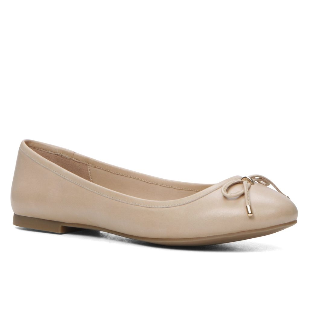 Laori Ballerina Shoes Flats, Bone - predominant colour: ivory/cream; occasions: casual; material: leather; heel height: flat; toe: round toe; style: ballerinas / pumps; finish: plain; pattern: plain; embellishment: bow; season: s/s 2016; wardrobe: basic