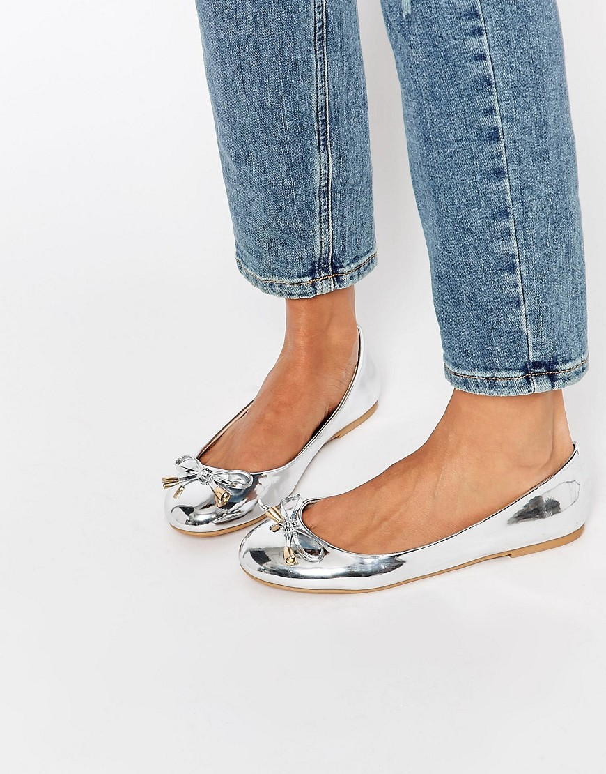 Leader Ballet Flats Silver - predominant colour: silver; occasions: casual, creative work; material: faux leather; heel height: flat; toe: round toe; style: ballerinas / pumps; finish: metallic; pattern: plain; season: s/s 2016; wardrobe: basic