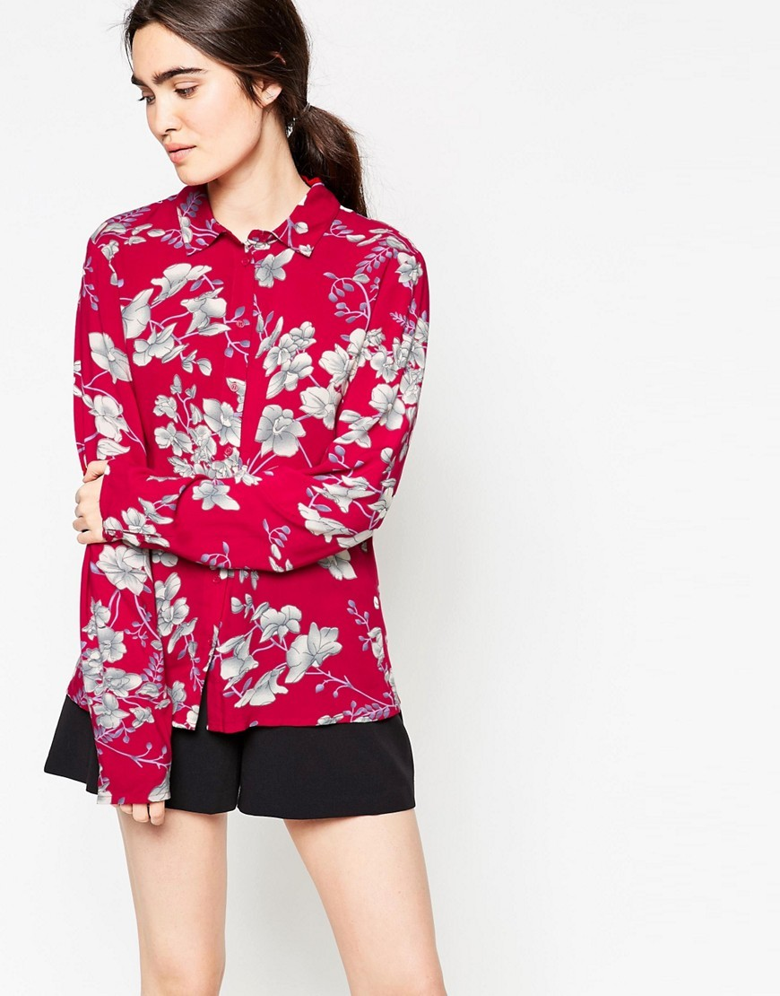 Thit Floral Printed Shirt Deep Red - neckline: shirt collar/peter pan/zip with opening; style: shirt; predominant colour: true red; secondary colour: light grey; occasions: casual; length: standard; fibres: viscose/rayon - 100%; fit: body skimming; sleeve length: long sleeve; sleeve style: standard; pattern type: fabric; pattern: florals; texture group: other - light to midweight; pattern size: big & busy (top); multicoloured: multicoloured; season: s/s 2016; wardrobe: highlight