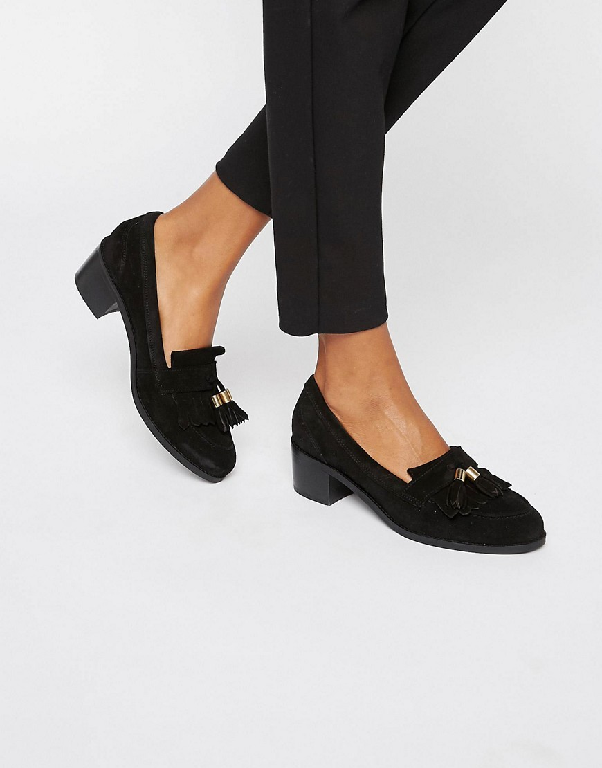 Kalm Tassle Suede Mid Heeled Shoes Black Suede - predominant colour: black; occasions: casual, work, creative work; material: suede; heel height: flat; embellishment: tassels; toe: round toe; style: loafers; finish: plain; pattern: plain; season: s/s 2016; wardrobe: basic