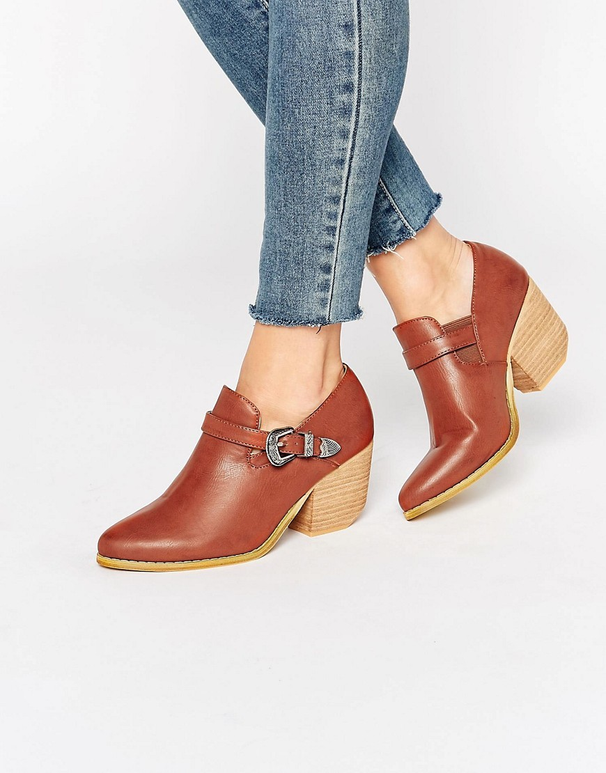 Western Heeled Shoe Boots Cognac - predominant colour: tan; occasions: casual, creative work; material: faux leather; heel height: mid; embellishment: buckles; heel: block; toe: pointed toe; boot length: ankle boot; style: standard; finish: plain; pattern: plain; season: s/s 2016; wardrobe: highlight