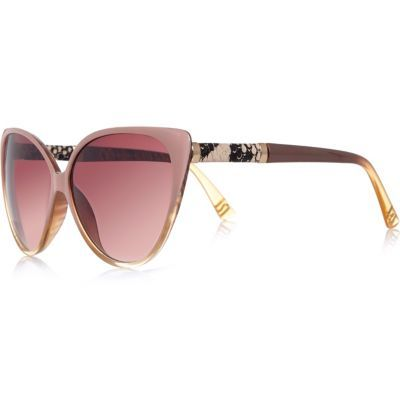 Womens Light Pink Cat Eye Sunglasses - predominant colour: pink; occasions: casual, holiday; style: cateye; size: standard; material: plastic/rubber; pattern: plain; finish: plain; season: s/s 2016; wardrobe: highlight