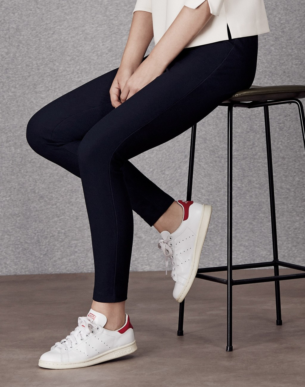 Stretch Gabardine Legging Dark Navy - pattern: plain; waist detail: elasticated waist; waist: mid/regular rise; predominant colour: navy; occasions: casual; length: ankle length; fibres: cotton - stretch; texture group: jersey - clingy; fit: skinny/tight leg; pattern type: fabric; style: standard; season: a/w 2015; wardrobe: basic
