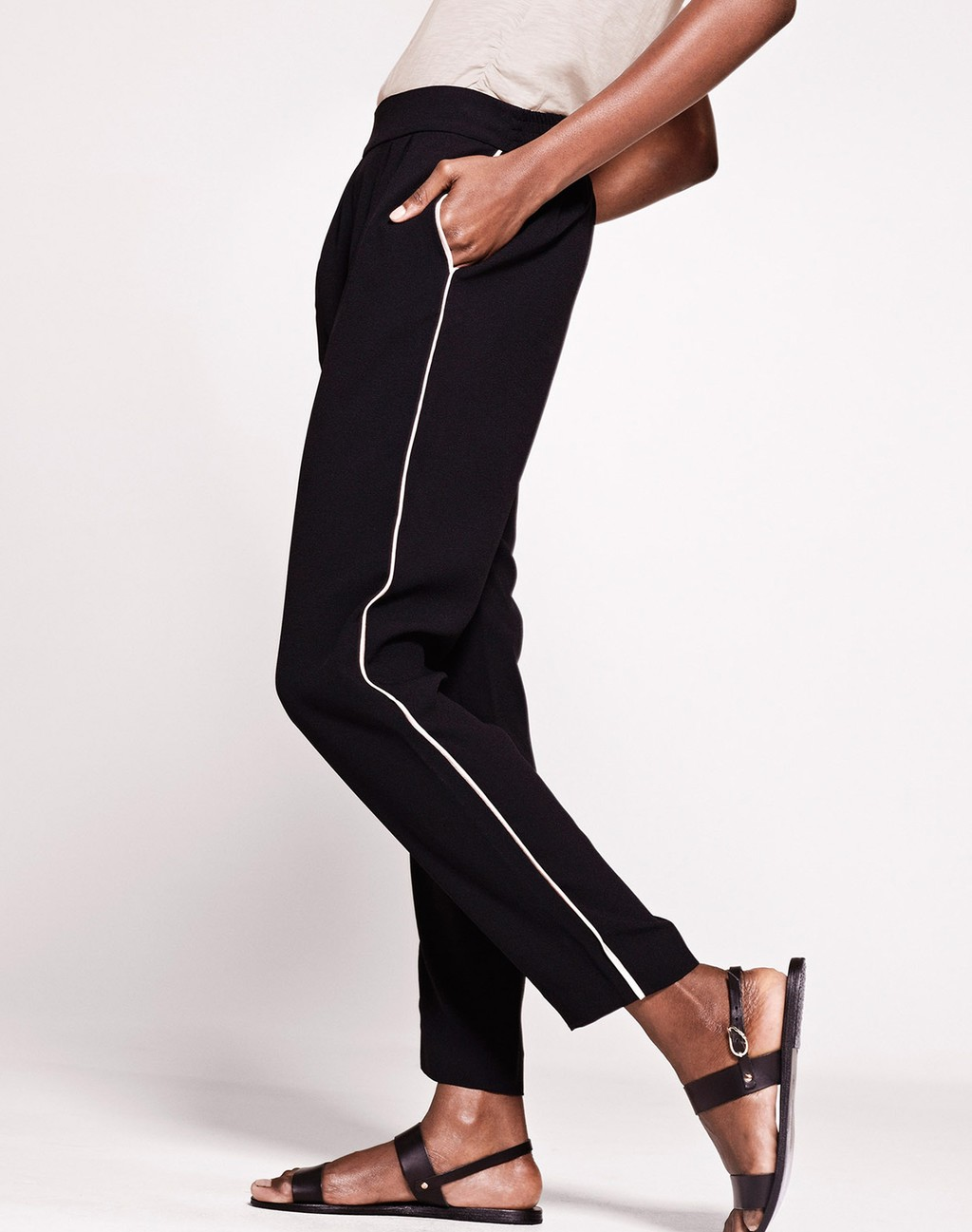 Luxe Crepe Trouser Black/Blush - length: standard; pattern: plain; waist: mid/regular rise; predominant colour: black; occasions: casual; texture group: crepes; fit: slim leg; pattern type: fabric; style: standard; fibres: viscose/rayon - mix; season: s/s 2016; wardrobe: basic