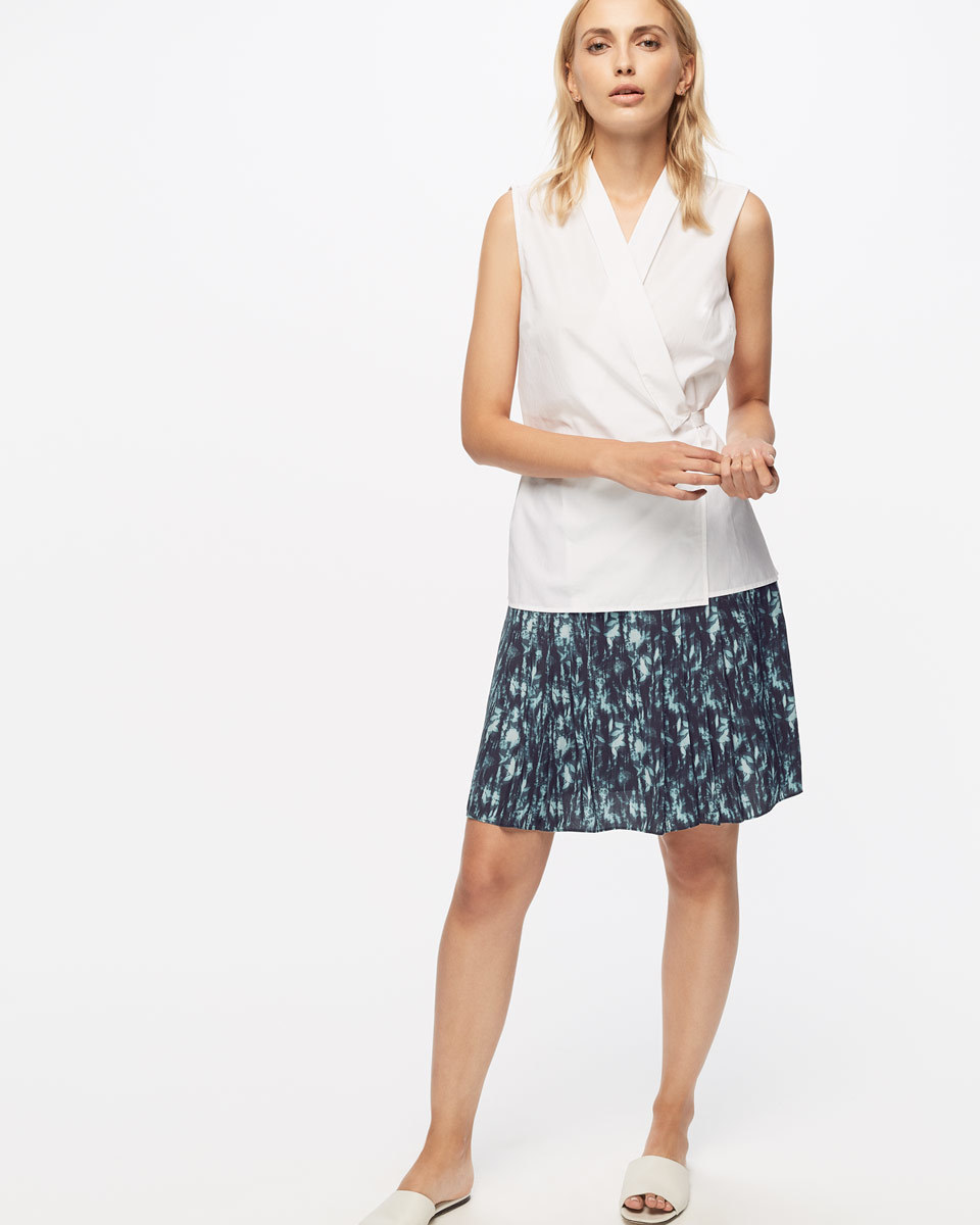 Cyanograph Floral Flippy Skirt - fit: loose/voluminous; waist: mid/regular rise; predominant colour: navy; secondary colour: pistachio; occasions: casual, creative work; length: just above the knee; style: a-line; fibres: viscose/rayon - 100%; pattern type: fabric; pattern: florals; texture group: other - light to midweight; pattern size: big & busy (bottom); season: s/s 2016; wardrobe: highlight