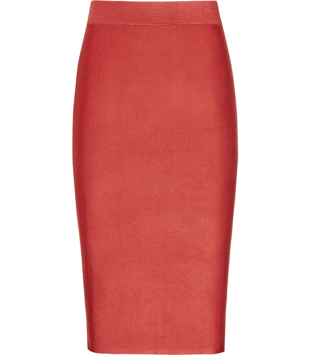 Steva Womens Knitted Pencil Skirt In Red - pattern: plain; style: pencil; fit: body skimming; waist: mid/regular rise; occasions: evening; length: on the knee; fibres: viscose/rayon - stretch; pattern type: fabric; texture group: woven light midweight; predominant colour: dusky pink; season: s/s 2016