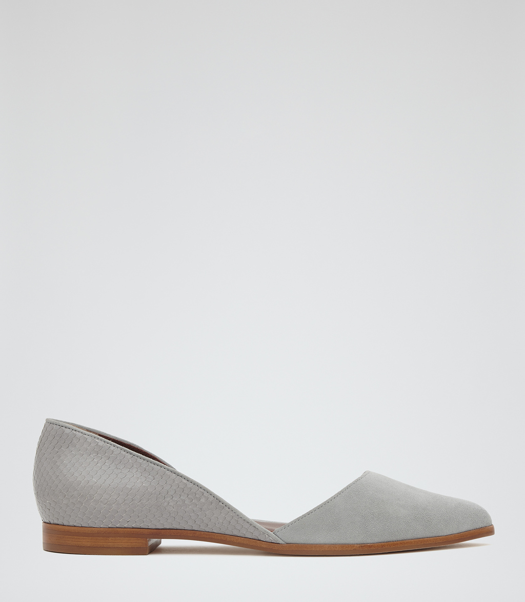 Daisy Womens Point Toe Flats In Grey - predominant colour: light grey; occasions: casual; material: leather; heel height: flat; toe: pointed toe; style: ballerinas / pumps; finish: plain; pattern: plain; season: s/s 2016; wardrobe: basic