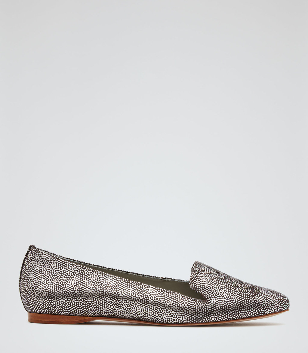 Lillie Womens Metallic Flat Shoes In Grey - predominant colour: silver; occasions: casual, creative work; material: leather; heel height: flat; toe: pointed toe; style: ballerinas / pumps; finish: metallic; pattern: plain; season: s/s 2016; wardrobe: basic
