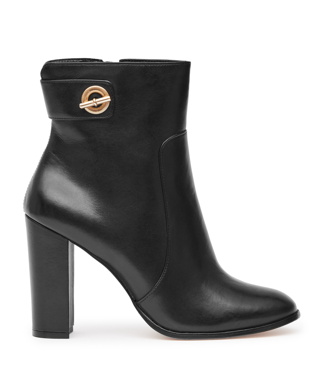 Hepworth Womens Block Heel Ankle Boots In Black - predominant colour: black; occasions: casual, creative work; material: leather; heel: block; toe: round toe; boot length: ankle boot; style: standard; finish: plain; pattern: plain; heel height: very high; season: s/s 2016; wardrobe: highlight