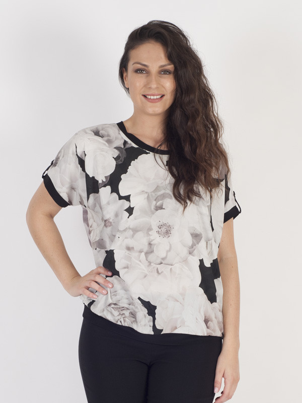 Blush Contrast Piping Trim Rose Print Top - predominant colour: white; secondary colour: black; occasions: casual; length: standard; style: top; fibres: polyester/polyamide - 100%; fit: body skimming; neckline: crew; sleeve length: short sleeve; sleeve style: standard; texture group: sheer fabrics/chiffon/organza etc.; pattern type: fabric; pattern: florals; pattern size: big & busy (top); multicoloured: multicoloured; season: a/w 2016
