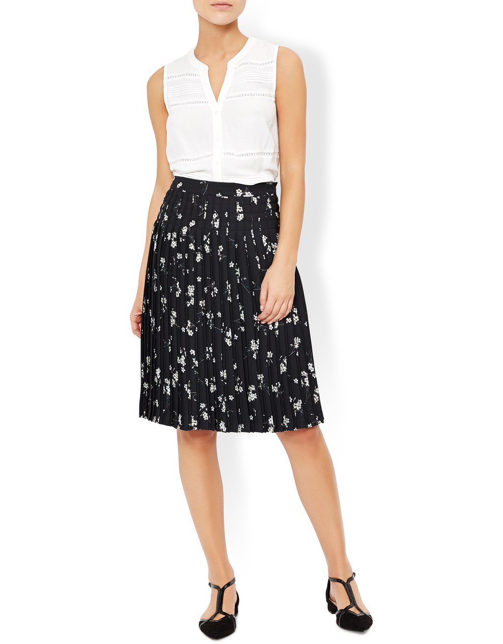 Bethany Pleat Print Skirt - fit: body skimming; style: pleated; waist: high rise; secondary colour: white; predominant colour: black; occasions: work; length: on the knee; fibres: polyester/polyamide - 100%; trends: monochrome; pattern type: fabric; pattern: patterned/print; texture group: other - light to midweight; pattern size: big & busy (bottom); season: a/w 2016; wardrobe: highlight