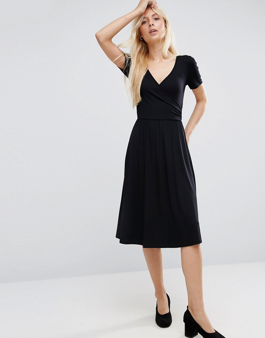 Midi Wrap Skater Dress With Short Sleeves Black - style: faux wrap/wrap; neckline: v-neck; pattern: plain; predominant colour: black; occasions: evening; length: on the knee; fit: body skimming; fibres: viscose/rayon - stretch; sleeve length: short sleeve; sleeve style: standard; pattern type: fabric; texture group: jersey - stretchy/drapey; season: a/w 2016