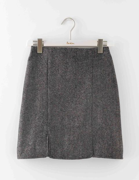 British Tweed Mini Grey Herringbone Women, Grey Herringbone - length: mid thigh; fit: tailored/fitted; waist: high rise; pattern: herringbone/tweed; predominant colour: charcoal; occasions: work; style: mini skirt; fibres: wool - mix; pattern type: fabric; texture group: tweed - light/midweight; pattern size: light/subtle (bottom); season: a/w 2016; wardrobe: highlight