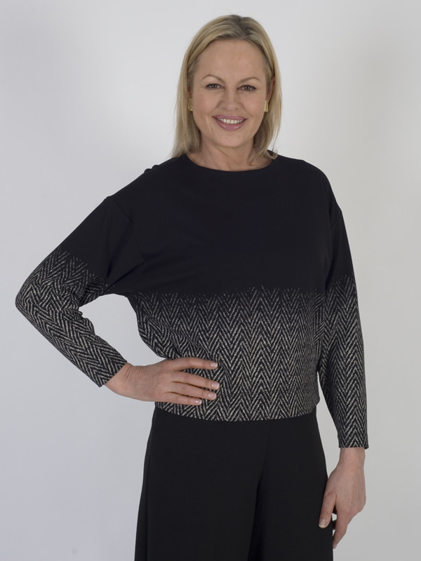 Isabel De Pedro Black Printed Jersey Top - secondary colour: mid grey; predominant colour: black; occasions: casual; length: standard; style: top; fibres: viscose/rayon - stretch; fit: body skimming; neckline: crew; sleeve length: 3/4 length; sleeve style: standard; pattern type: fabric; pattern: patterned/print; texture group: jersey - stretchy/drapey; multicoloured: multicoloured; season: a/w 2016