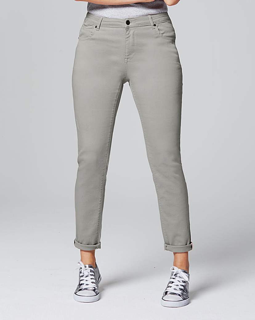 Sadie Sage Green Relaxed Jeans Reg - length: standard; pattern: plain; pocket detail: traditional 5 pocket; waist: mid/regular rise; style: tapered; predominant colour: light grey; occasions: casual; fibres: cotton - stretch; texture group: denim; pattern type: fabric; season: a/w 2016; wardrobe: highlight