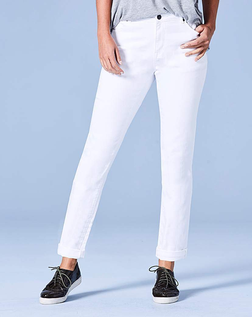 Sadie White Relaxed Jeans Reg - length: standard; pattern: plain; pocket detail: traditional 5 pocket; waist: mid/regular rise; style: tapered; predominant colour: white; occasions: casual; fibres: cotton - stretch; texture group: denim; pattern type: fabric; season: a/w 2016; wardrobe: highlight