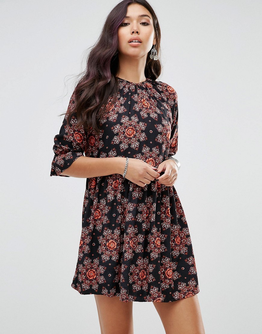 Tea Dress With Blouson Sleeves In Floral Kaleidoscope Multi - style: smock; length: mid thigh; fit: loose; secondary colour: pink; predominant colour: black; occasions: casual; fibres: viscose/rayon - 100%; neckline: crew; sleeve length: 3/4 length; sleeve style: standard; pattern type: fabric; pattern size: big & busy; pattern: florals; texture group: woven light midweight; multicoloured: multicoloured; season: a/w 2016; wardrobe: highlight