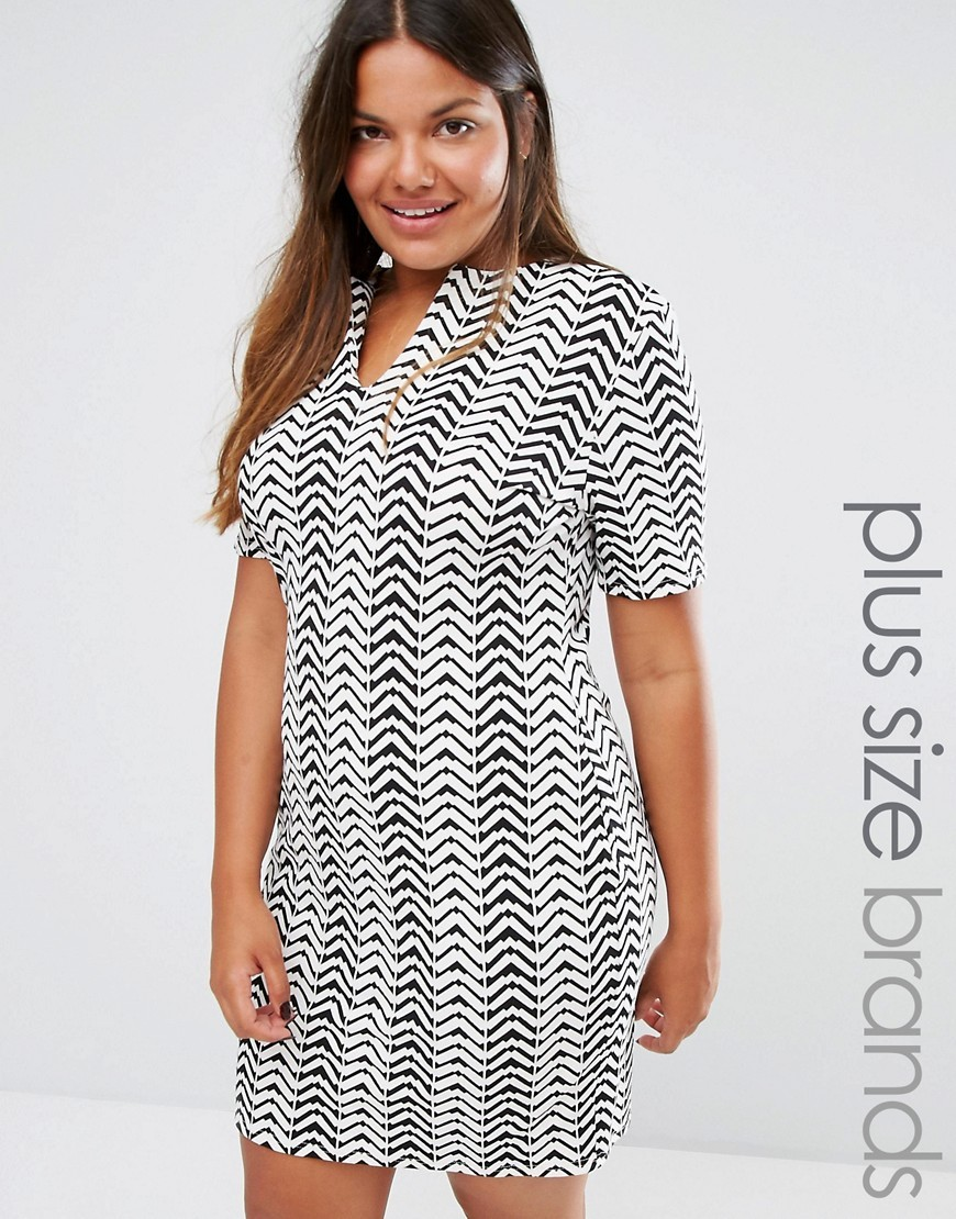 Plus Dress With Open Neck In Chevron Print Black/White - style: shift; length: mid thigh; neckline: v-neck; predominant colour: white; secondary colour: black; occasions: evening; fit: body skimming; fibres: polyester/polyamide - stretch; sleeve length: short sleeve; sleeve style: standard; pattern type: fabric; pattern: patterned/print; texture group: jersey - stretchy/drapey; multicoloured: multicoloured; season: a/w 2016; wardrobe: event