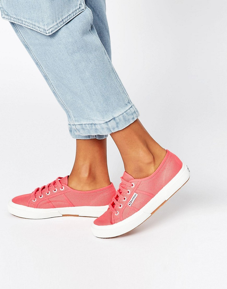 2750 Cotu Trainer T33 Paradis Red - secondary colour: white; predominant colour: pink; occasions: casual; material: fabric; heel height: flat; toe: round toe; style: trainers; finish: plain; pattern: plain; multicoloured: multicoloured; season: a/w 2016; wardrobe: highlight