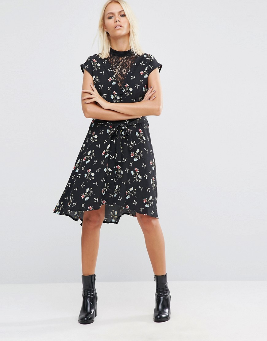 Lace Insert Tea Dress In Ditsy Floral Multi - style: shift; secondary colour: white; predominant colour: black; occasions: casual; length: on the knee; fit: body skimming; neckline: collarstand; fibres: viscose/rayon - 100%; sleeve length: short sleeve; sleeve style: standard; pattern type: fabric; pattern: florals; texture group: woven light midweight; embellishment: lace; multicoloured: multicoloured; season: a/w 2016; wardrobe: highlight; embellishment location: bust