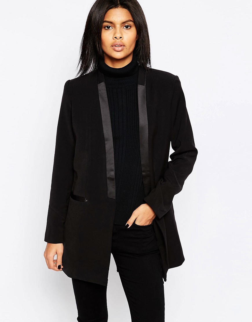 Dina Classic Black Boyfriend Blazer 999black - pattern: plain; length: below the bottom; style: boyfriend; collar: standard lapel/rever collar; predominant colour: black; occasions: evening; fit: tailored/fitted; fibres: polyester/polyamide - mix; sleeve length: long sleeve; sleeve style: standard; collar break: low/open; pattern type: fabric; texture group: woven light midweight; season: a/w 2016; wardrobe: event
