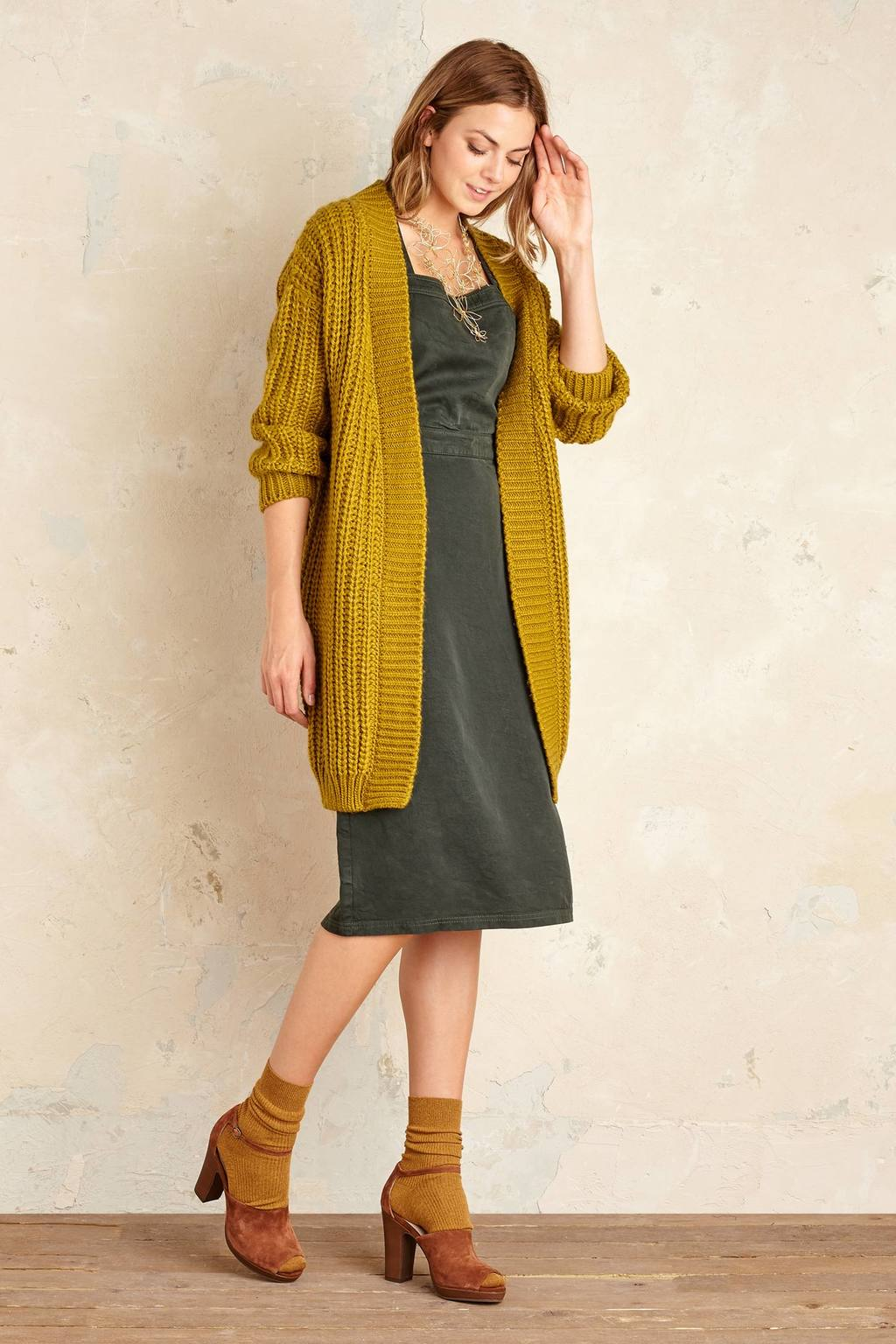 Mackenzie Cardigan, Green - pattern: plain; length: below the bottom; neckline: collarless open; style: open front; predominant colour: mustard; occasions: casual, creative work; fibres: acrylic - 100%; fit: loose; sleeve length: long sleeve; sleeve style: standard; texture group: knits/crochet; pattern type: knitted - big stitch; pattern size: standard; season: a/w 2016; wardrobe: highlight