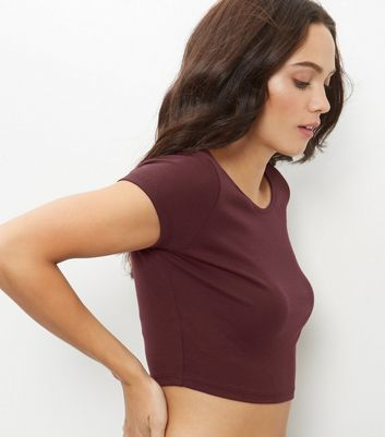Burgundy Scoop Neck Crop Top - pattern: plain; length: cropped; predominant colour: burgundy; occasions: casual; style: top; fibres: polyester/polyamide - mix; fit: body skimming; neckline: crew; sleeve length: short sleeve; sleeve style: standard; pattern type: fabric; texture group: jersey - stretchy/drapey; season: a/w 2016; wardrobe: highlight