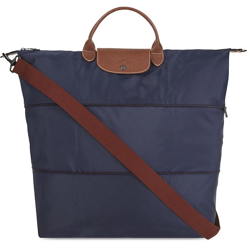 Le Pliage Travel Bag, Navy - predominant colour: navy; occasions: casual, holiday; type of pattern: standard; style: tote; length: handle; size: oversized; material: leather; pattern: plain; finish: plain; wardrobe: investment; season: a/w 2016