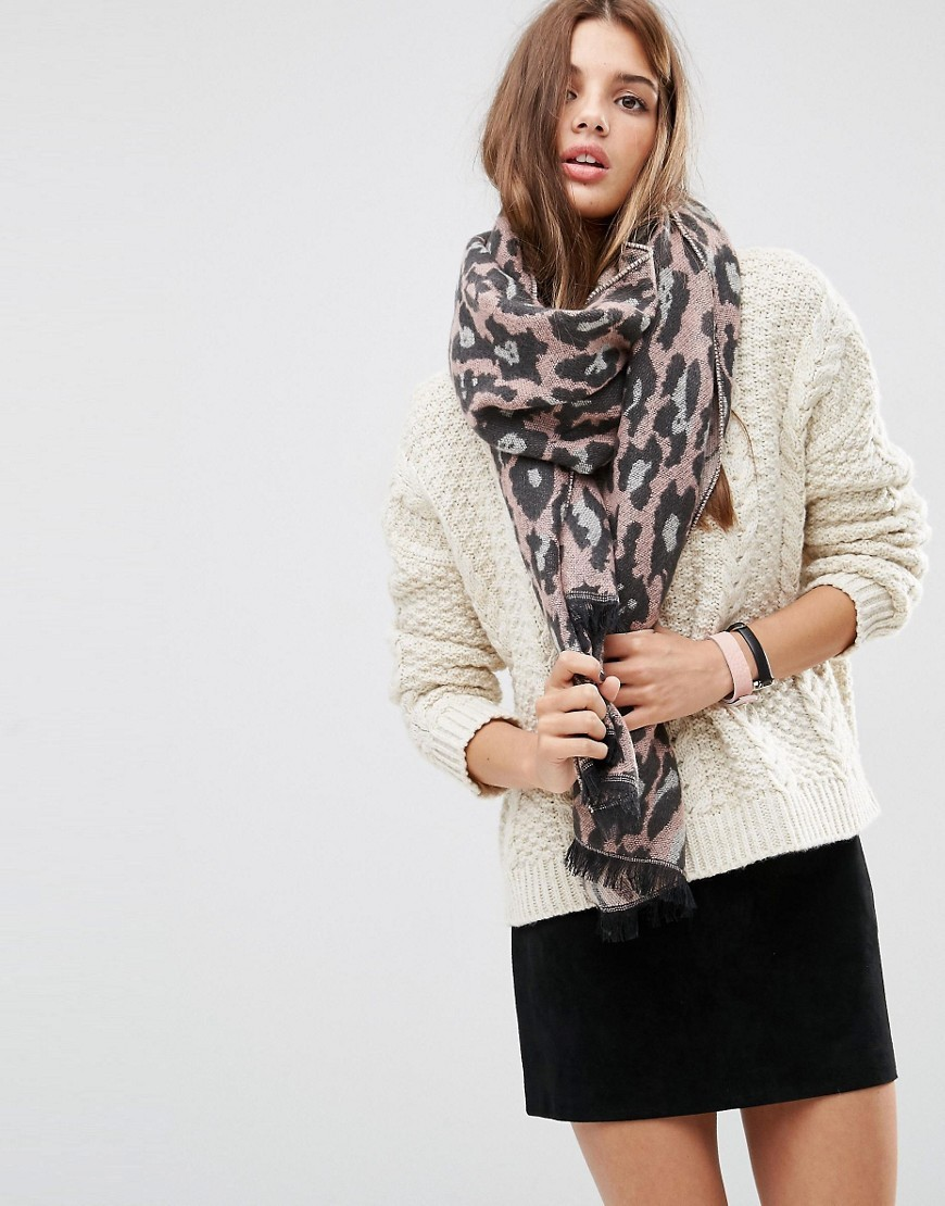 Oversized Long Woven Scarf In Pink Leopard Pink - predominant colour: pink; occasions: casual, creative work; type of pattern: heavy; style: regular; size: large; material: fabric; pattern: animal print; season: a/w 2016; wardrobe: highlight