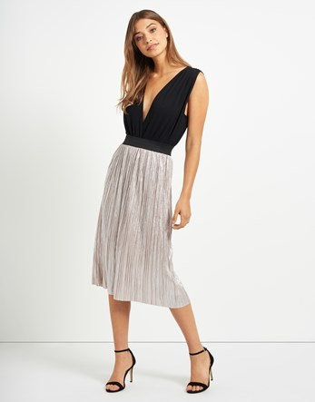 Metallic Pleated Midi Skirt - length: below the knee; pattern: plain; fit: body skimming; style: pleated; waist: mid/regular rise; predominant colour: light grey; occasions: evening; fibres: polyester/polyamide - 100%; pattern type: fabric; texture group: woven light midweight; season: a/w 2016; wardrobe: event
