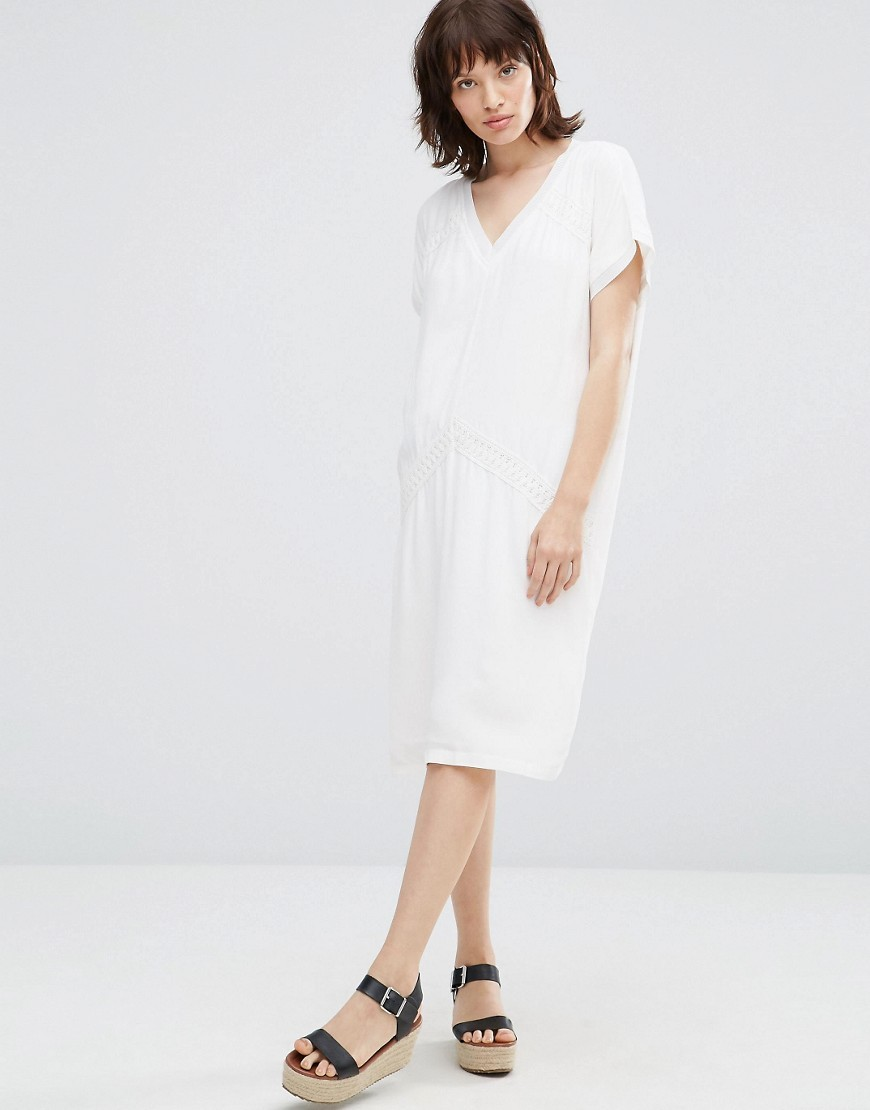 Kathy Tunic Dress White - style: smock; length: calf length; neckline: v-neck; fit: loose; pattern: plain; predominant colour: ivory/cream; occasions: casual; fibres: viscose/rayon - 100%; sleeve length: short sleeve; sleeve style: standard; pattern type: fabric; texture group: jersey - stretchy/drapey; wardrobe: basic; season: a/w 2016