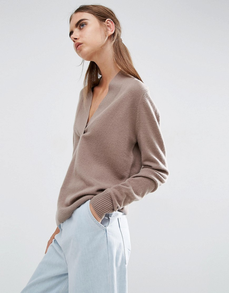 100% Cashmere Deep V Neck Jumper Mink - neckline: v-neck; sleeve style: dolman/batwing; pattern: plain; style: standard; predominant colour: taupe; occasions: casual, creative work; length: standard; fit: loose; fibres: cashmere - 100%; sleeve length: long sleeve; texture group: knits/crochet; pattern type: knitted - fine stitch; wardrobe: investment; season: a/w 2016